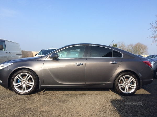 Vauxhall Insignia SRI, 2 OWNERS , FULL SERVICE HISTORY, NEW TIMING BELT in Antrim