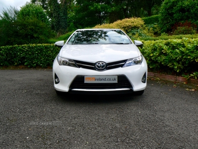 Toyota Auris 1.6 V-Matic Sport 5dr. FULL TOYOTA SERVICE HISTORY.CAMERA. in Fermanagh