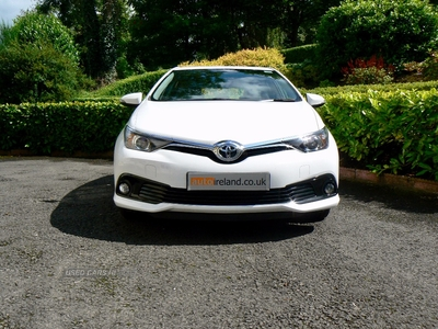 Toyota Auris 1.6 D-4D Icon 5dr. LOW MILES. CAMERA. SAT NAV. in Fermanagh