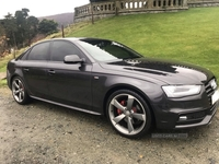 Audi A4 S LINE BLACK EDITION T in Down