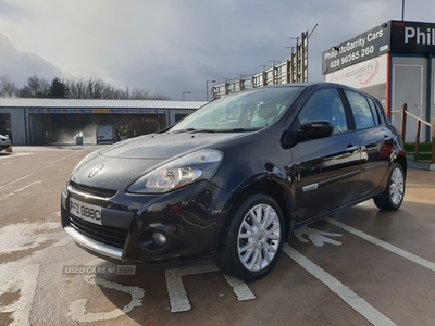 Renault Clio DYNAMIQUE TOMTOM 16V in Down