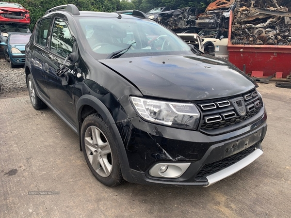 Dacia Sandero Stepway 1.0i AMBIANCE TCE 5dr in Down