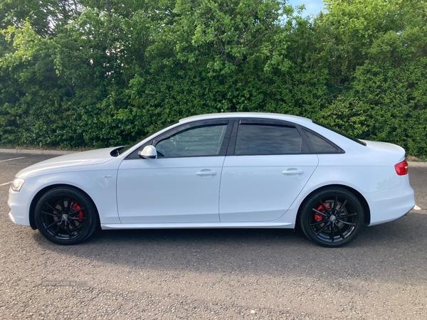 Audi A4 S LINE TDI in Down